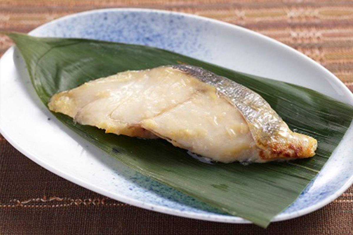 ปลาเนื้อขาวซอสมิโซะหวาน